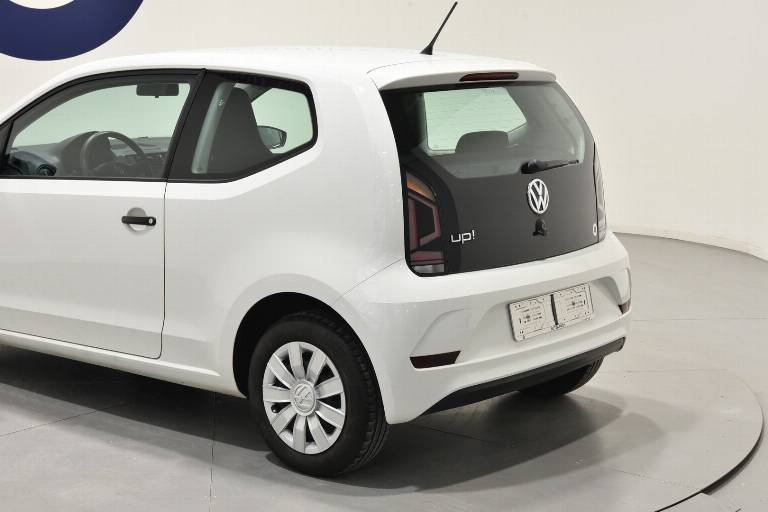 VOLKSWAGEN Up! 38