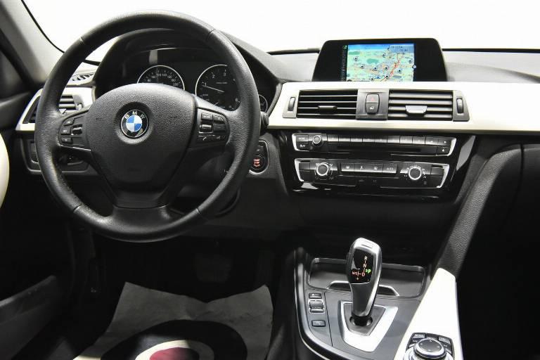 BMW 318 23