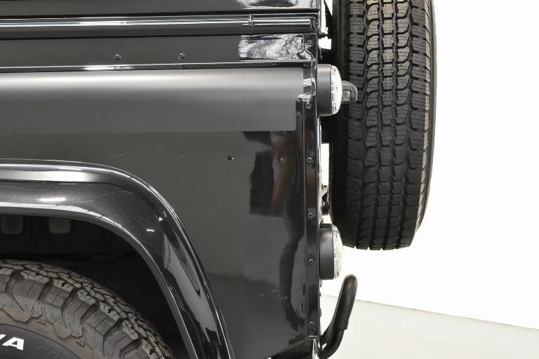 LAND ROVER Defender 60