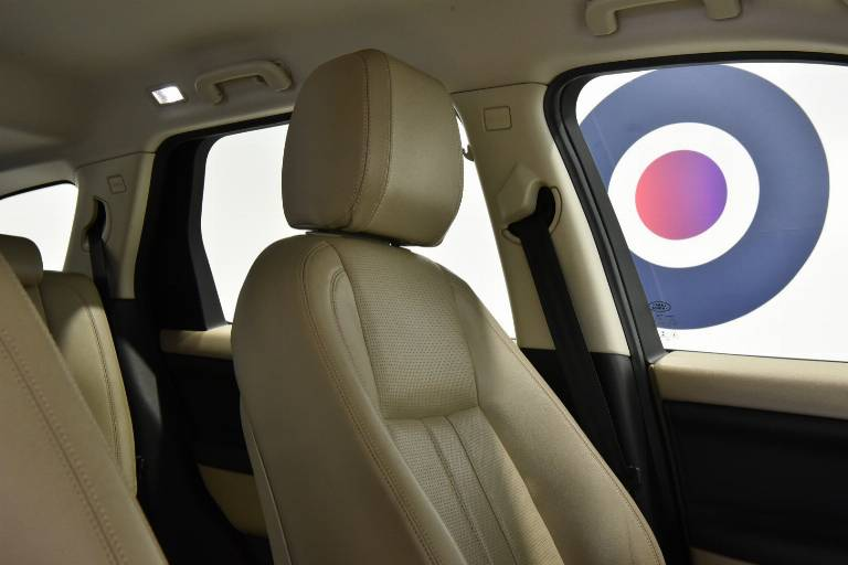 LAND ROVER Discovery Sport 42
