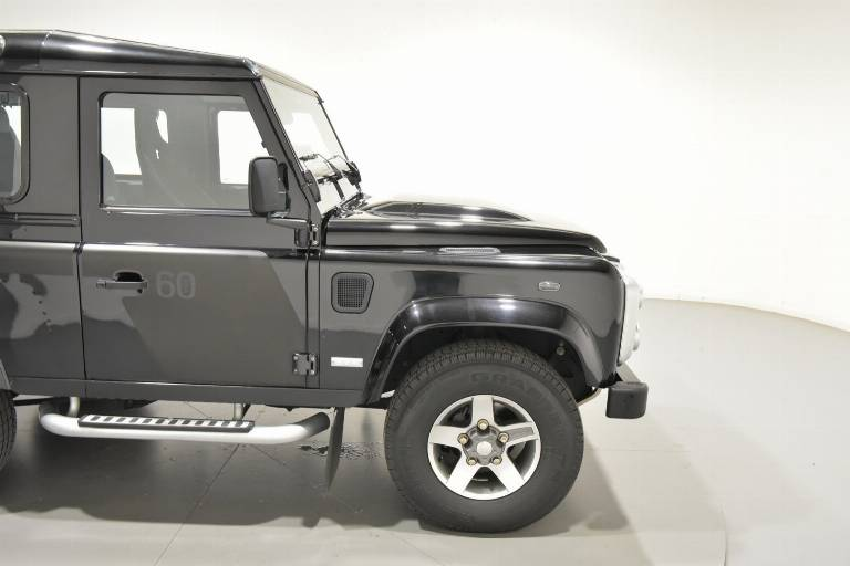 LAND ROVER Defender 70