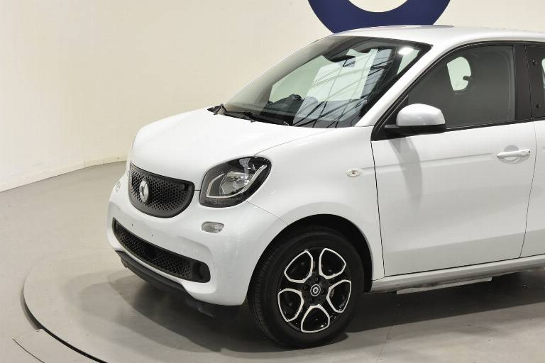 SMART ForFour 16