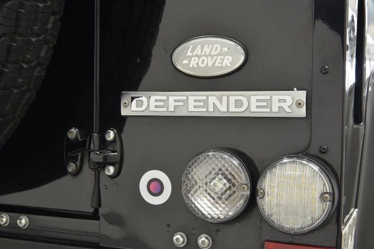 LAND ROVER Defender 69