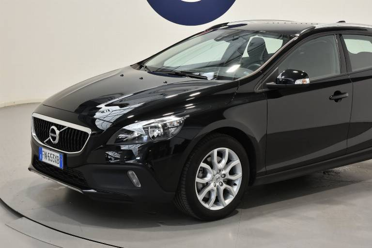 VOLVO V40 Cross Country 36