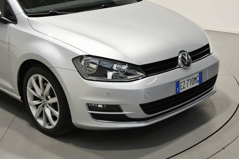 VOLKSWAGEN Golf 51
