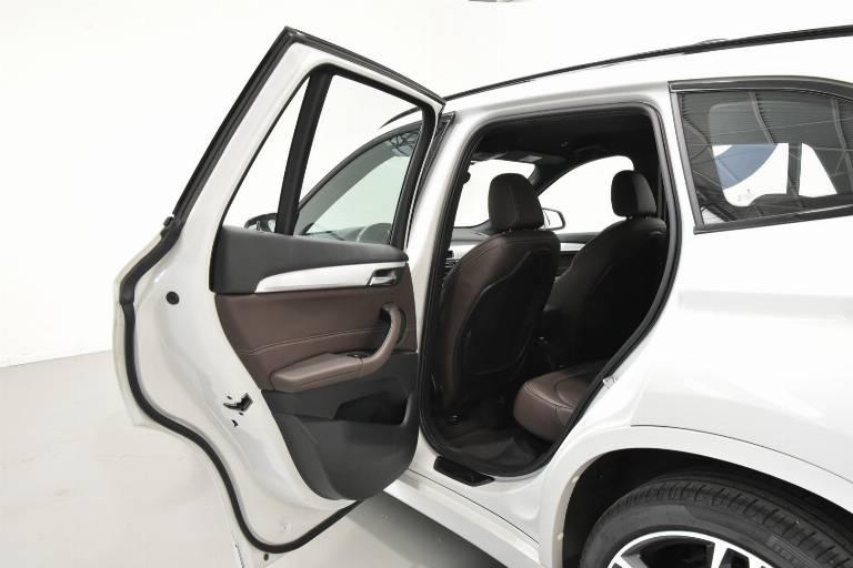 BMW X1 57