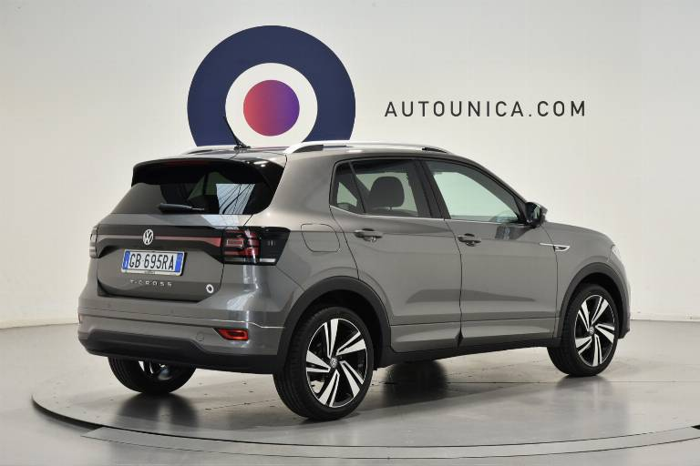 VOLKSWAGEN T-Cross 30
