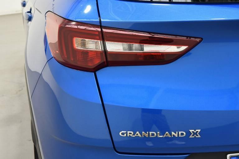 OPEL Grandland X 35