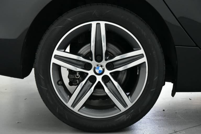 BMW 218 48