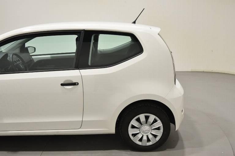 VOLKSWAGEN Up! 48