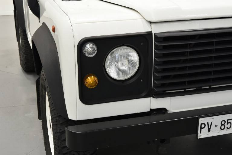 LAND ROVER Defender 47