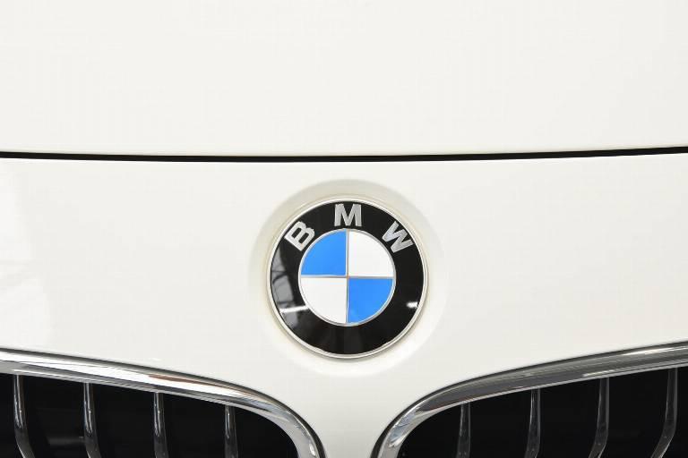 BMW 320 64