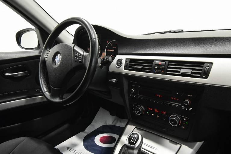 BMW 320 32