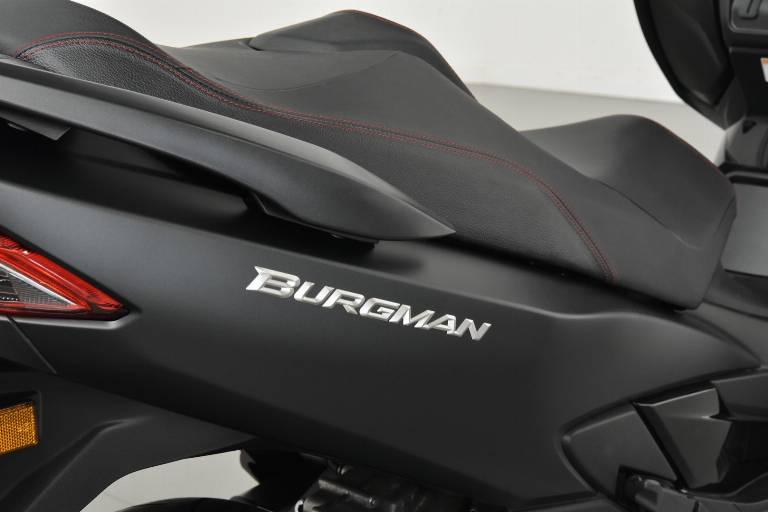 SUZUKI Burgman AN 400 39