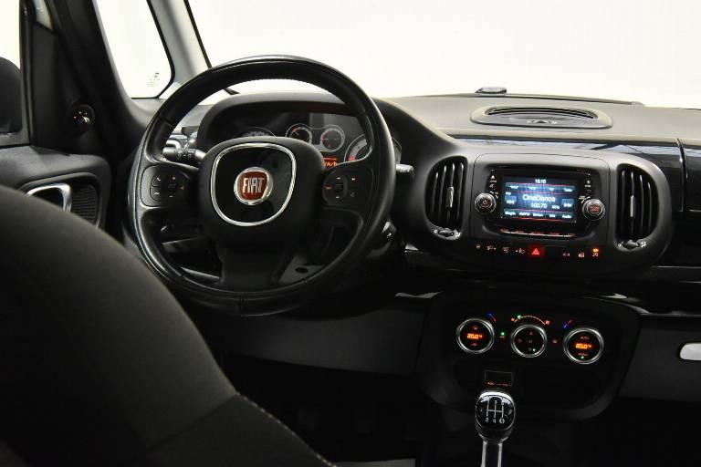 FIAT 500L 23