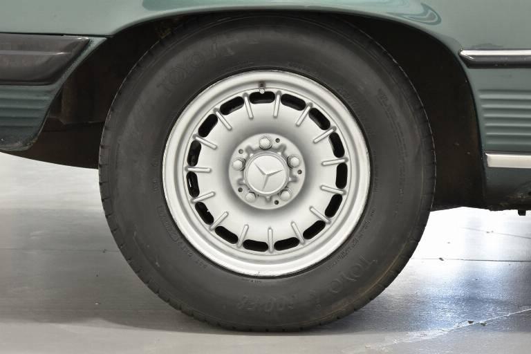 MERCEDES-BENZ SL 380 41