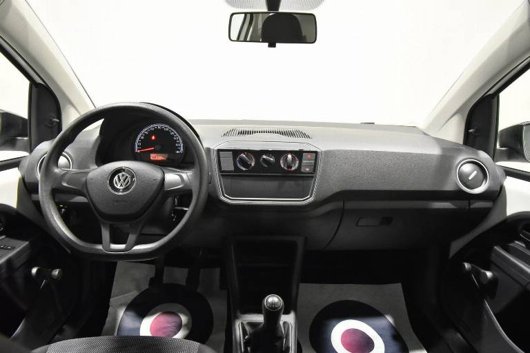 VOLKSWAGEN Up! 22