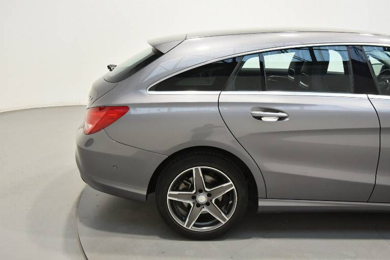MERCEDES-BENZ CLA 200 47