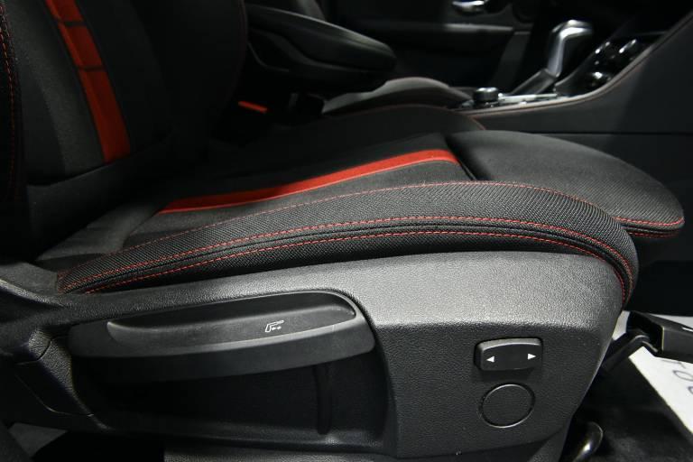 BMW 218 56