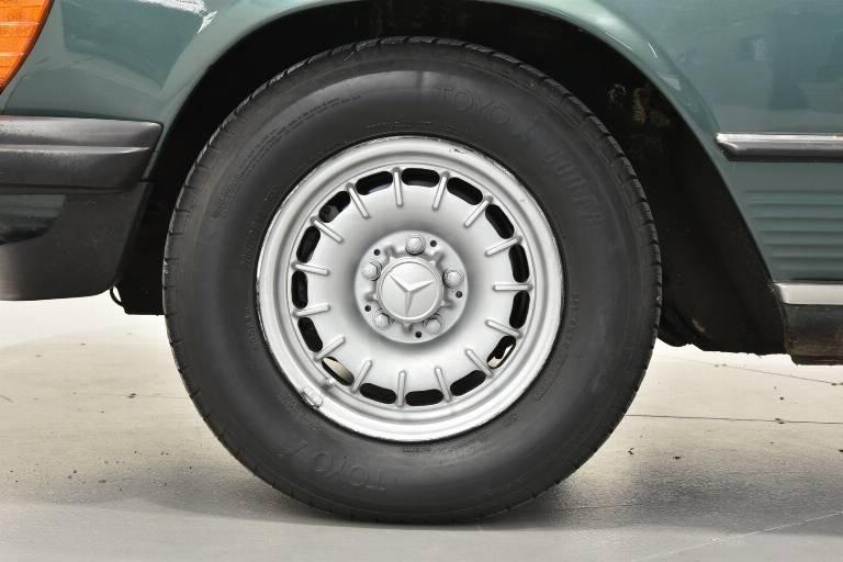 MERCEDES-BENZ SL 380 43