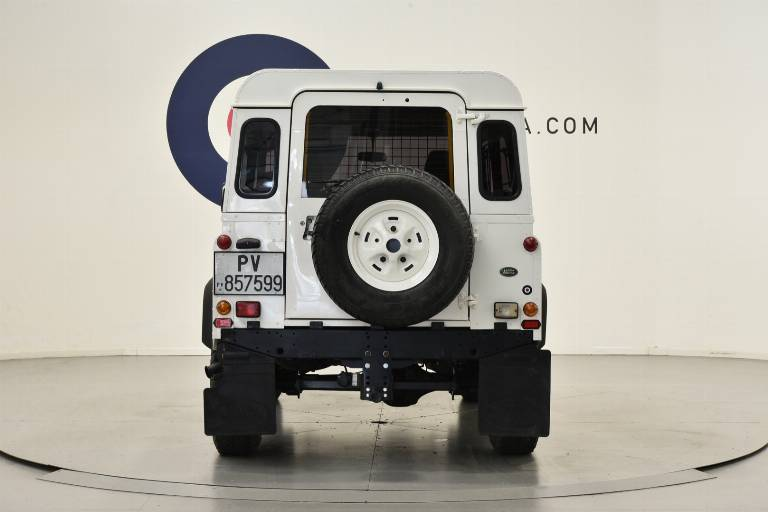 LAND ROVER Defender 6