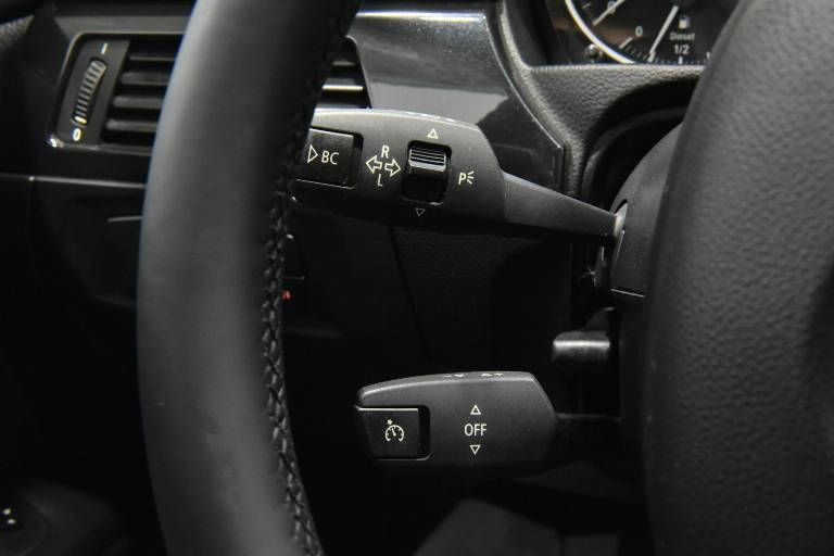 BMW 320 26