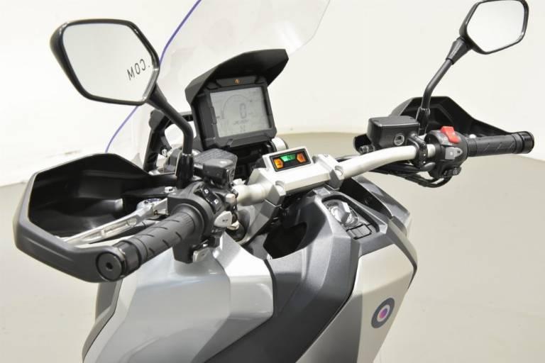 HONDA X-ADV 750 58