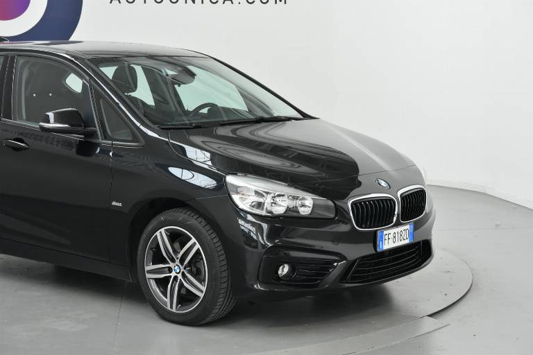 BMW 218 33
