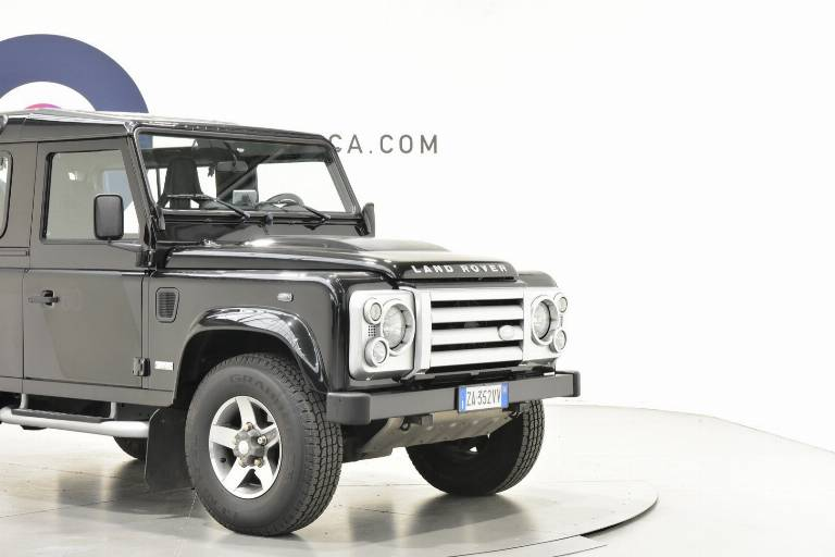 LAND ROVER Defender 14