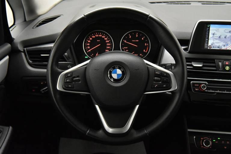 BMW 214 23