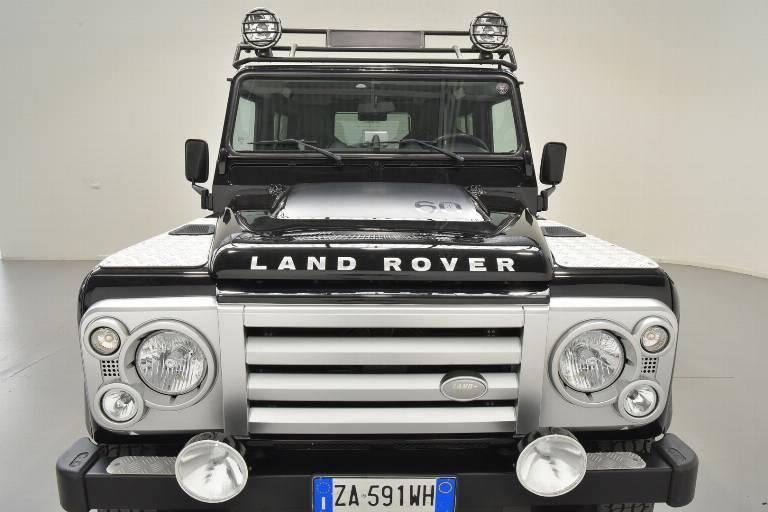 LAND ROVER Defender 73