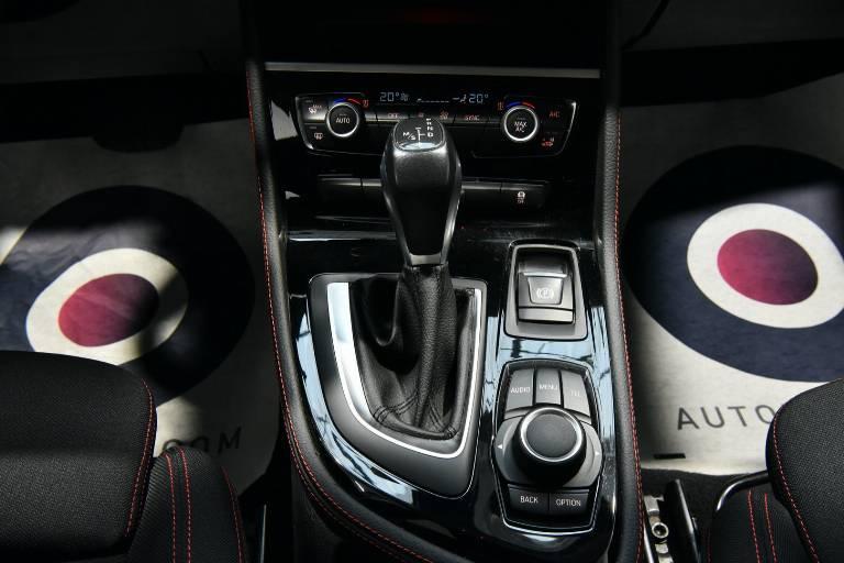 BMW 218 8