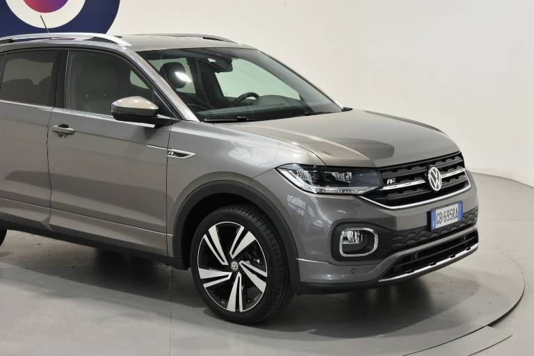 VOLKSWAGEN T-Cross 16