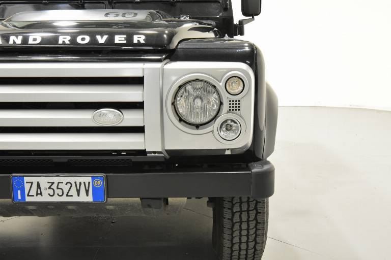 LAND ROVER Defender 72