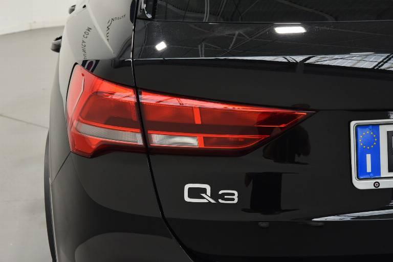 AUDI Q3 35