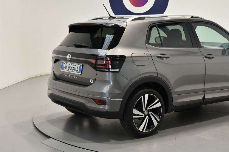 VOLKSWAGEN T-Cross 18