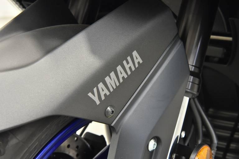 YAMAHA T-Max 560 38