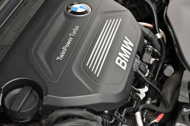 BMW 214 57