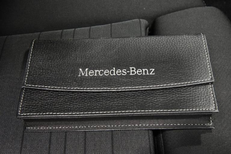 MERCEDES-BENZ C 220 54