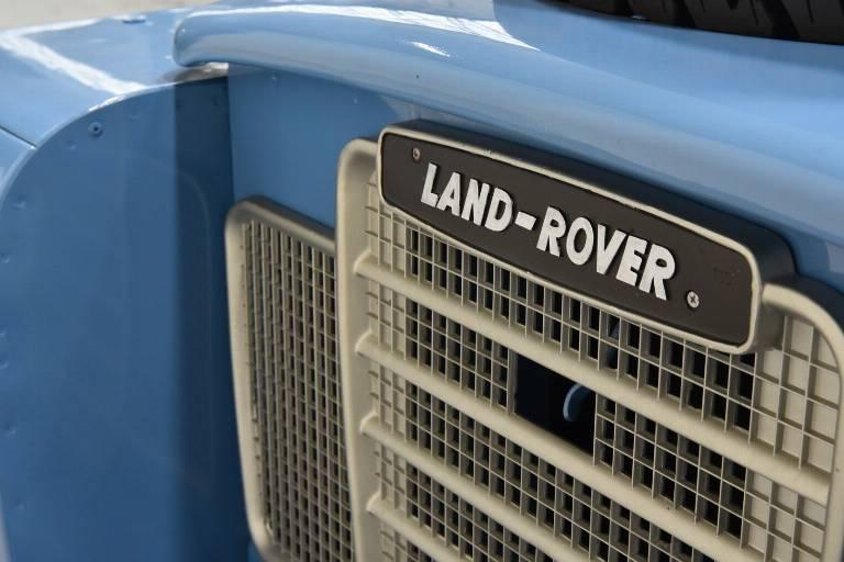 LAND ROVER Defender 40