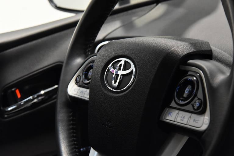 TOYOTA Prius 50