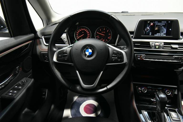 BMW 218 21