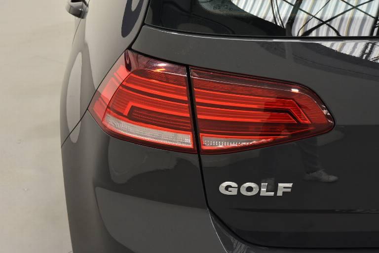 VOLKSWAGEN Golf 35