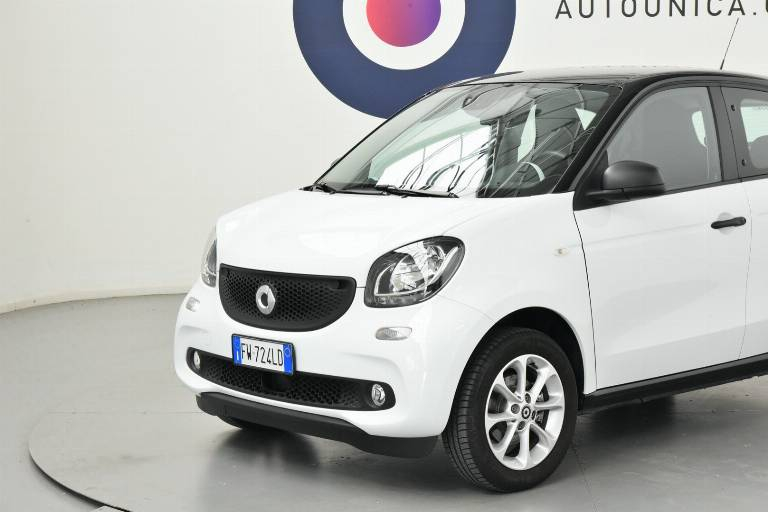 SMART ForFour 13
