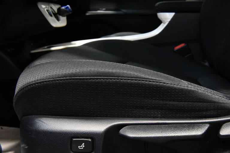 TOYOTA Prius 44