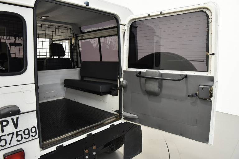 LAND ROVER Defender 43