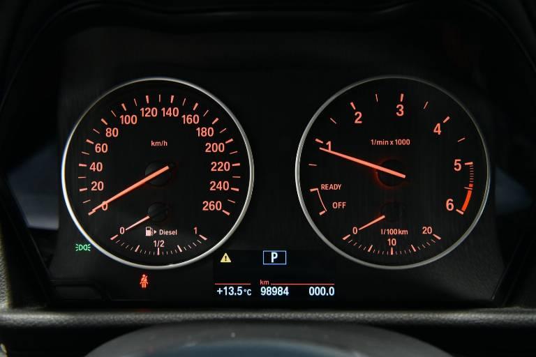 BMW 218 23