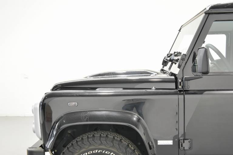 LAND ROVER Defender 83