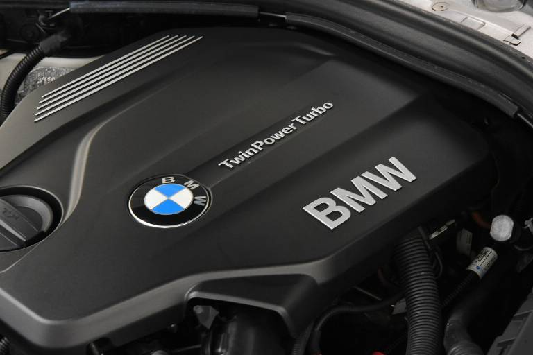 BMW 320 51