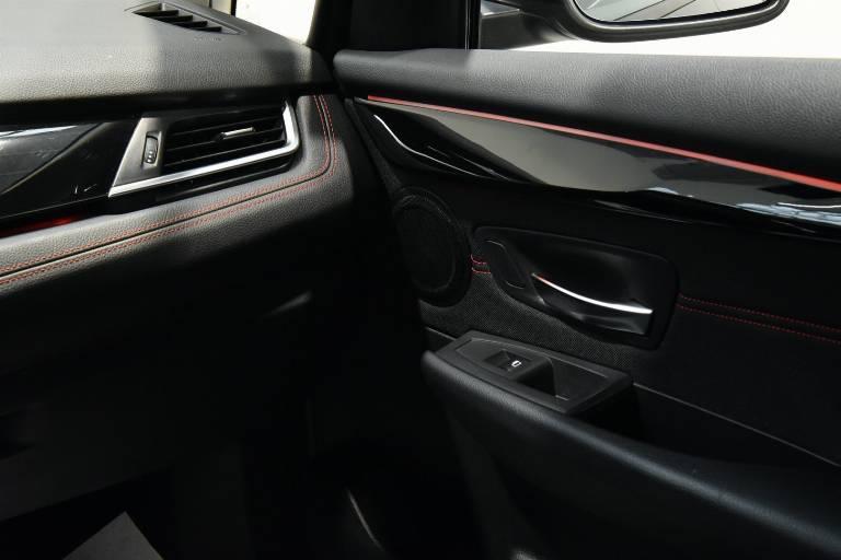 BMW 218 43